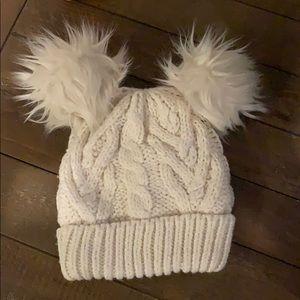 GAP ivory cable knit PomPom winter hat - size XS/S